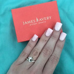 James Avery cursive 't' initial ring